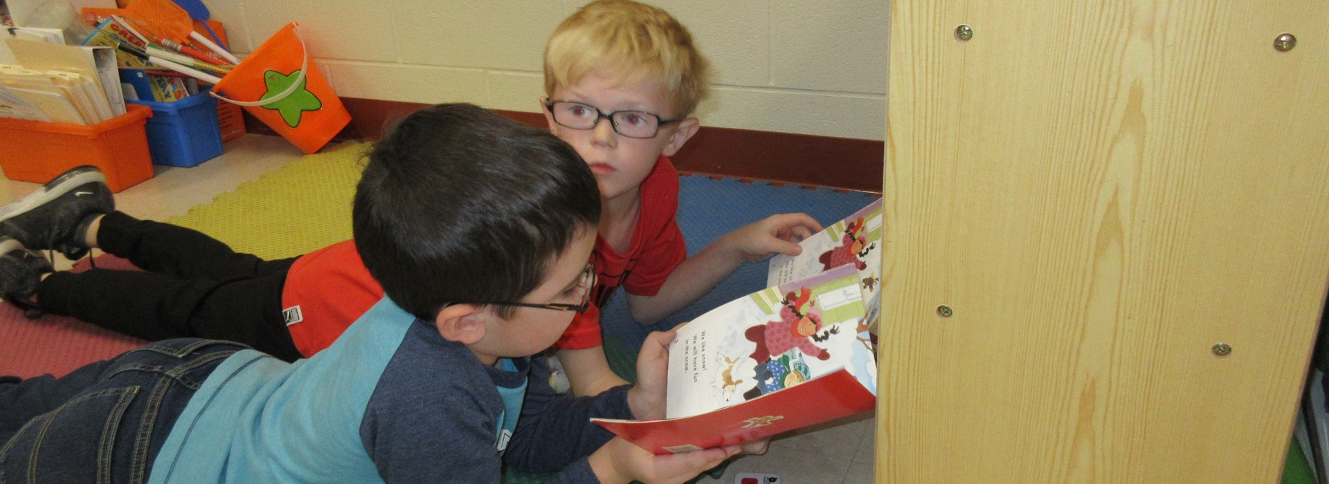 Partner reading in 1st grade